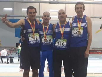 Marià Padrosa aconsegueix medalla d'or en els relleus de 4x200 en el Campionat d'Espanya de pista coberta màster a Antequera