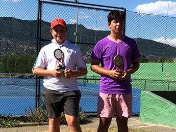 Gran cap de setmana de Roger Prat guanyant el Circuit Juvenil júnior i infantil del Club Tennis Torelló