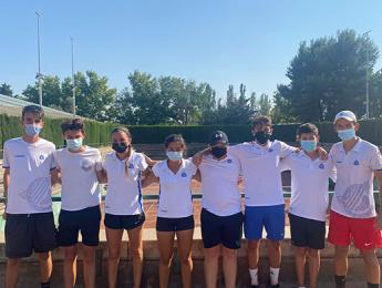 Els tennistes del Club Natació Olot participen en el torneig Marca Jóvenes Promesas a Saragossa