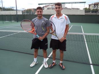 Un total de 24 parelles participen en les 12 hores de tennis dobles organitzades un any més pel CNO