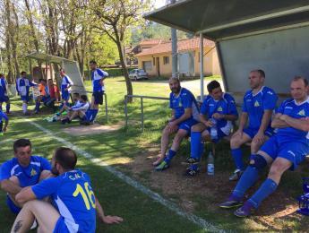 Els veterans del futbol del CN Olot finalitzen la lliga colíders juntament amb la Canya