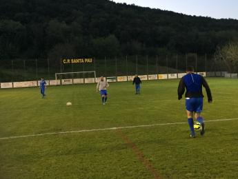 El futbol veterà del CN Olot segueix lluitant per la primera posició en la classificació