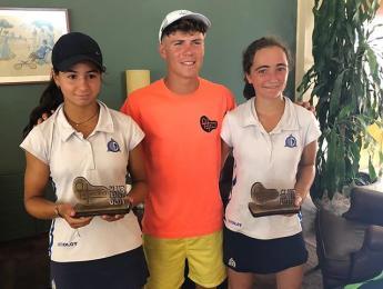 3 tennistes del CN Olot a la final del Circuit Juvenil del CT Olot