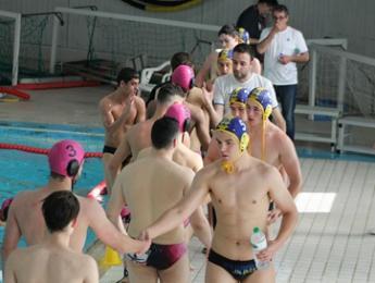Gran partit dels juvenils de waterpolo a casa del potent CN Poblenou